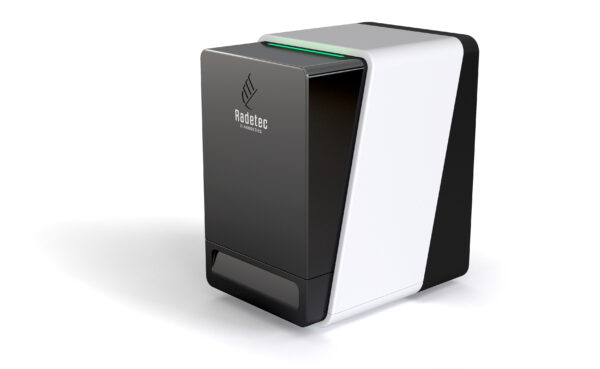 Optical reader to measure the fluorescence and the optical density from nitrocellulose strips, gels, 96-wells plates and other solid substrates.